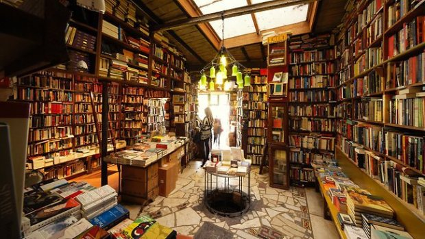 Inside Shakespeare & Co., Photographer unknown