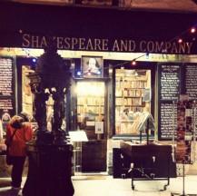 Outside the famous Shakespeare & Co. bookstore on Rue de la Bûcherie in Paris. #shakespeareandco #paris #bookstagram ©studyreadwrite