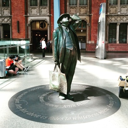 Sir John Betjeman statue at St Pancras International station. London #poetry #Betjeman #London ©studyreadwrite