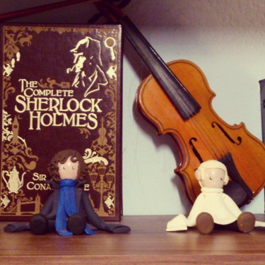Sherlock & John hanging out with the Complete Sherlock Holmes Leatherbound edition and a violin. #shelfie #Sherlock #Watson #bookstagram ©studyreadwrite