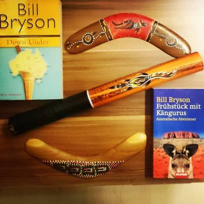#novbookstagram Day 9: US vs UK editions. I don't actually have US and UK editions of the same books, but I do have UK vs German versions. One of my all-time favourite travel books, Bill Bryson's Down Under. My inspiration to become a travel journalist. #travelogue #billbryson #downunder #differenteditions #Bookstagram ©theliteratigirl