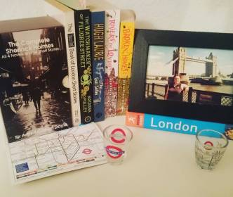 #novbookstagram Day 12: A Setting I've Been To. LONDON! #booksetting #London #Literature #sherlockholmes #riversoflondon #thegunseller #thewatchmakeroffiligreestreet #Bookstagram ©theliteratigirl