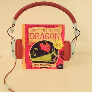 #novbookstagram Day 16: Dragons or Pirates. Dragons all the way!! Though I confess I like film Toothless more than book Toothless, though. #audiobooks #dragon #httyd #howtotrainyourdragon #toothless #hiccupandtoothless #ridersofberk #bookstagram ©theliteratigirl
