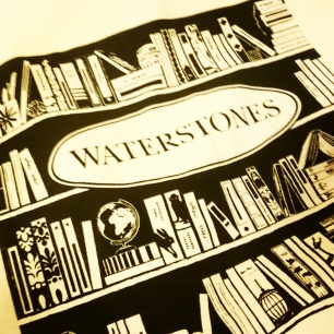 Linen bag by Waterstones. #bookswag #bookbag #Waterstones #bookstagram ©theliteratigirl